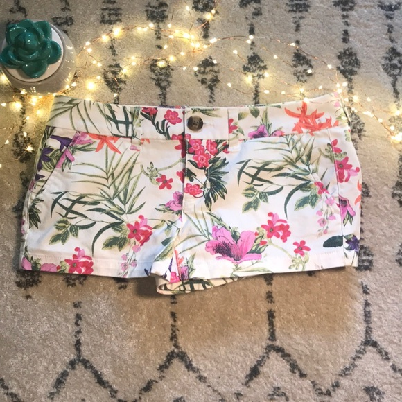 American Eagle Outfitters Pants - 🌴American Eagle vacation ready shorts
